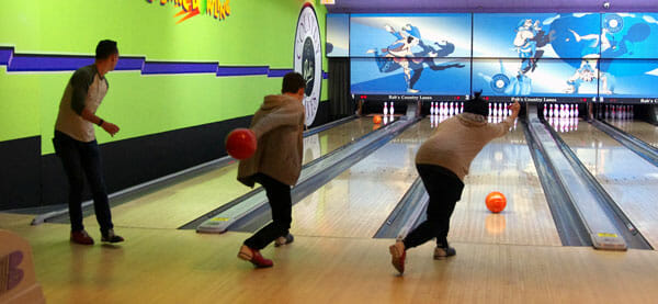 Bowling is an ideal activity to facilitate networking, students and alumni learned during a recent outing.